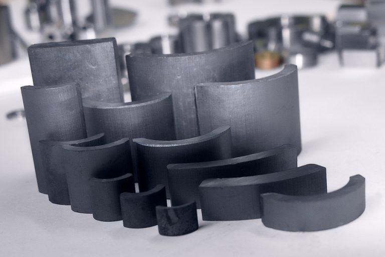 Read more about the article Как используют ферритовые магниты: технологии, сфера применения