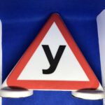 Магнитный знак «У» на крышу автомобиля